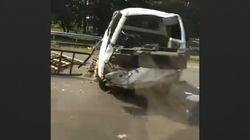Pikap Angkut Kambing Kecelakaan Tunggal di Tol Jagorawi