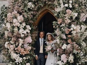 Putri Beatrice Menikah Pakai Gaun Pengantin Jadul dari 58 Tahun Lalu