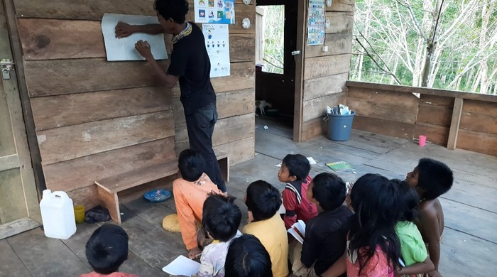 Semangat belajar anak-anak Rimba di Jambi (Ferdi-detikcom)