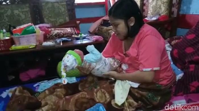 Seorang ibu di Tasikmalaya melahirkan anak setelah hamil satu jam