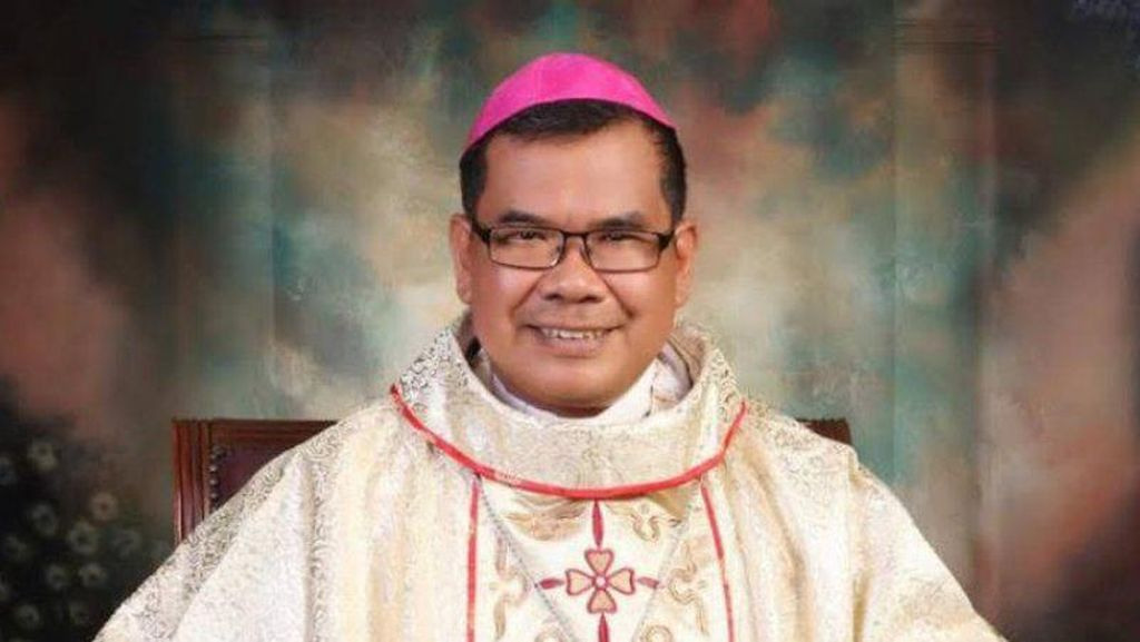 Sembuh, Uskup Agung Medan Keluar dari RS Usai Dirawat Akibat Corona