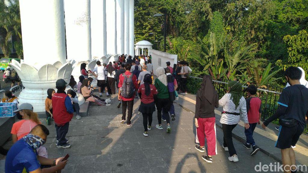 Waswas, Warga Minta Pemkot Awasi Pengunjung Tak Bermasker di Tugu Kujang Bogor