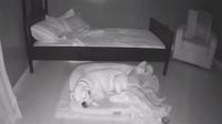 Aksi Anak Kecil Tidur Bareng Anjingnya Terekam CCTV