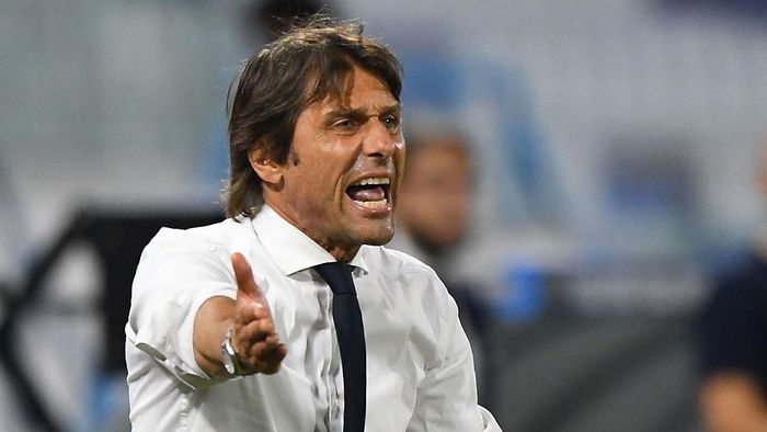FERRARA, ITALY - JULY 16:  Antonio Conte head coach of FC Internazionale reacts during the Serie A match between SPAL and FC Internazionale at Stadio Paolo Mazza on July 16, 2020 in Ferrara, Italy.  (Photo by Alessandro Sabattini/Getty Images)