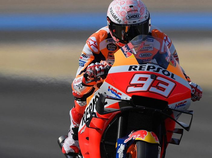 JEREZ DE LA FRONTERA, SPAIN - JULY 17: Marc Marquez of Spain and Repsol Honda Honda  heads down a straight during the MotoGP of Spain - Free Practice at Circuito de Jerez on July 17, 2020 in Jerez de la Frontera, Spain. (Photo by Mirco Lazzari gp/Getty Images)