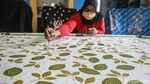 Melihat Pembuatan Kembang Mayang, Batik Khas Kota Tangerang