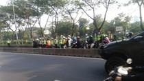 Pritt! Sejumlah Motor Terobos Busway di Manggarai Kena Tilang