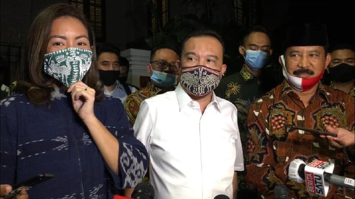 Rahayu Saraswati Djojohadikusumo (kiri) usai menerima rekomendasi dari Gerindra untuk maju di Pilkada Tangsel 2020