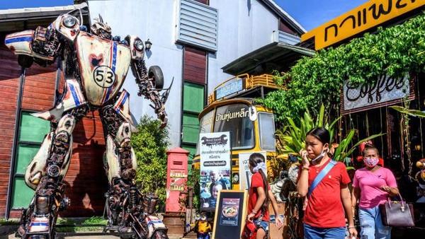 Museum ini berlokasi di bengkel pengelasan milik Phairote Thamnomwong. Dia telah membuka usahanya sejak 20 tahun lalu. (AFP)