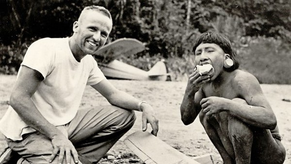 Masuk di tahun 1956, akhirnya suku Huaorani melakukan kontak dengan dunia luar. (BBC)