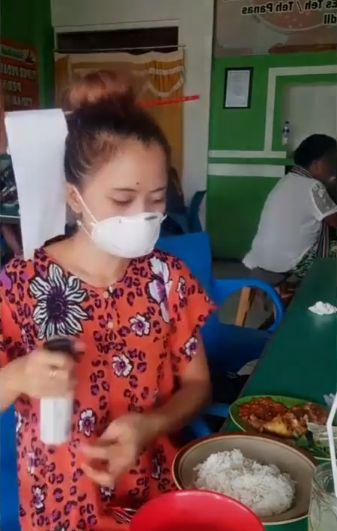 Tips kocak makan anti virus corona