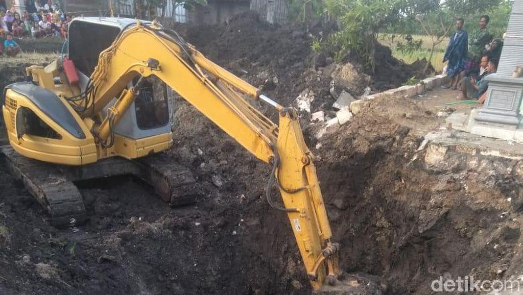 Longsor, Tukang Gali Sumur di Bojonegoro Hilang Tertimbun Tanah