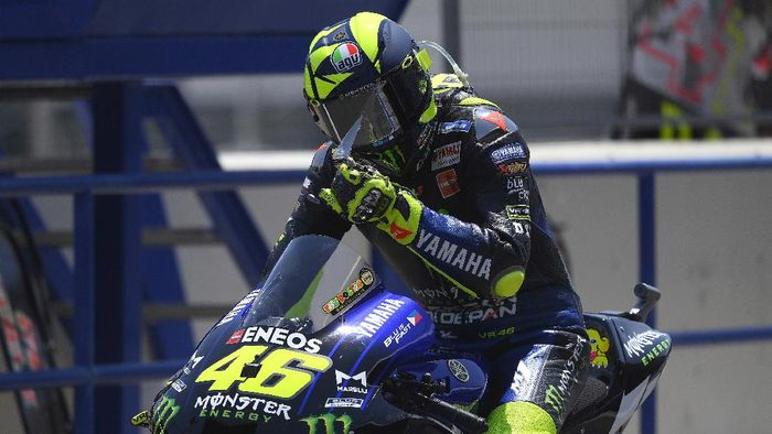 JEREZ DE LA FRONTERA, SPAIN - JULY 18: Valentino Rossi of Italy and Monster Energy Yamaha MotoGP Team starts from box during the MotoGP of Spain, Qualifying at Circuito de Jerez on July 18, 2020 in Jerez de la Frontera, Spain. (Photo by Mirco Lazzari gp/Getty Images)