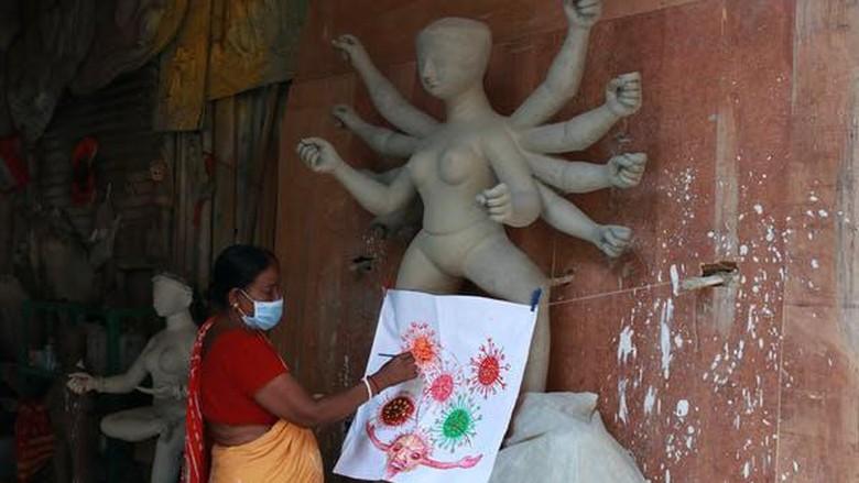 Dewi Corona yang dipuja di India.
