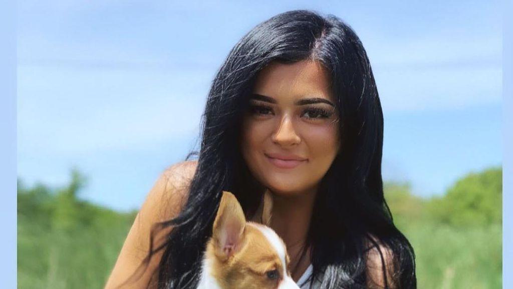 8 Potret Wanita yang Disebut-sebut Netizen Kembaran Kylie Jenner