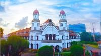 Lawang Sewu memang kerap dikaitkan dengan wisata mistis. Tapi tempat ini ternyata menyimpan sejarah perkerertaapian Indonesia. (PT Kereta API Wisata)