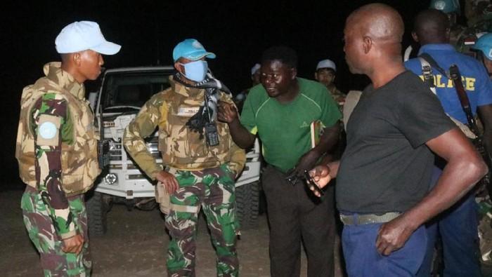 Pasukan Garuda yang tergabung dalam Satgas TNI Konga XXXIX-B RDB MONUSCO membantu proses penyelamatan warga Amerika Serikat yang disandera kelompok bandit di Kongo.
