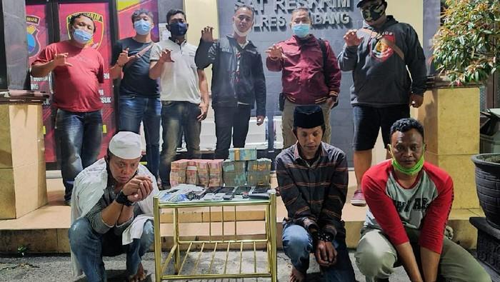 pencuri uang sumbangan ponpes 385 juta