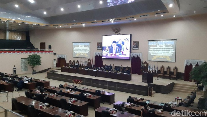 Rapat Paripurna DPRD Banten