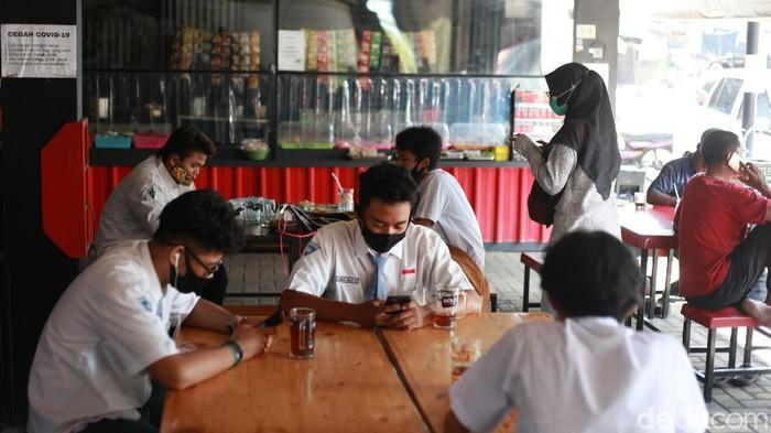 Warkop Pitulikur Sediakan Wifi dan Es Teh Gratis Khusus Pelajar Sekolah Daring