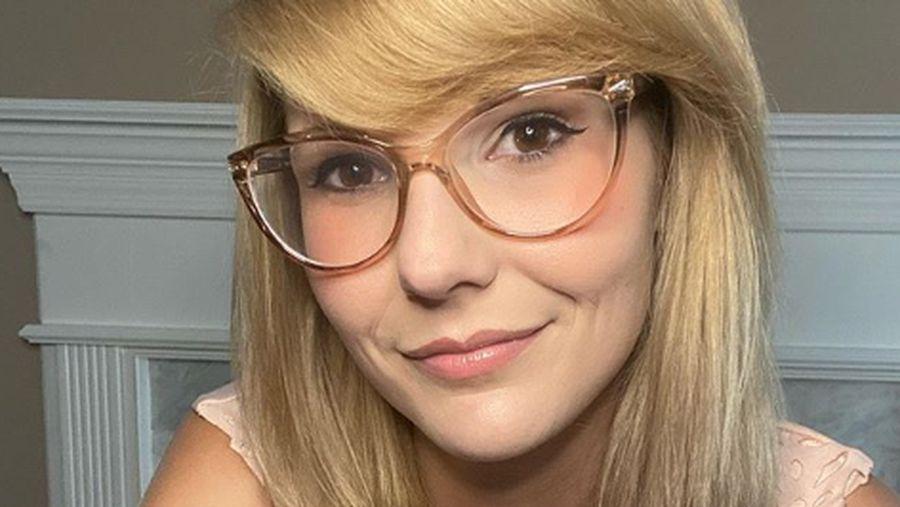 Ashley, wanita yang mirip dengan Taylor Swift