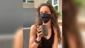 Masker unik khusus untuk minum