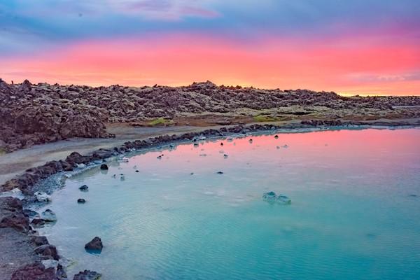 Inilah Midnight Sun di Islandia, cantikkan? (Getty Images/iStockphoto/Leamus)