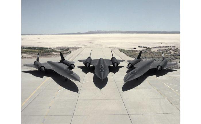 Pesawat siluman SR-71 Blackbird