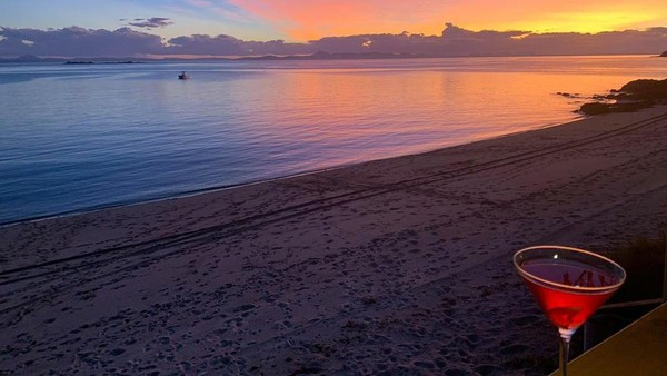 Sejarahnya, pulau itu pertama kali diperkenalkan ke publik sebagai Pulau Pumpkin di tahun 1964. Hanya ketika dibeli oleh perusahaan bir Castlemaine Perkins antara tahun 2012 dan 2015, nama itu diubah jadi Pulau XXXX sebagai bagian promosi (Pumpkin Island/Facebook)