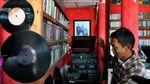 Dear Kolektor, Yuk Merapat ke Terminal Musik Djadoel di Bogor