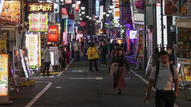 Wisata hiburan malam di Jepang terapkan sejumlah protokol kesehatan yang ketat bagi para pengunjung guna mencegah COVID-19. Apa saja aturannya?