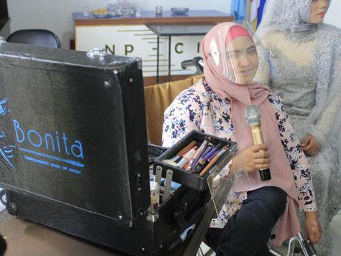 Bonita Hana, Disabilitas Cantik Perias Artis-Model Kota Kembang