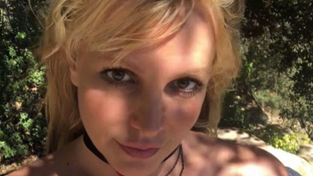 Britney Spears Ogah Pakai Makeup Lagi, Pilih Cantik Alami dengan Wajah Polos