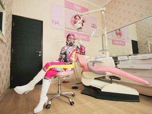 Most Popular Sepekan: Dokter Gigi Cantik yang Viral karena Pakai APD Stylish