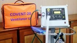 Berbagai pihak ikut ambil bagian dalam mendukung pemerintah tangani pasien COVID-19. Seperti alat Ventilator Buatan UI yang disumbangkan untuk RS Rujukan ini.