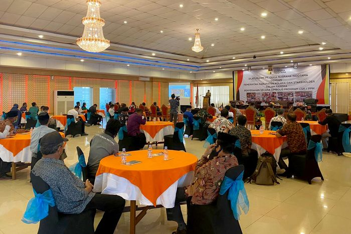 Pelaku industri pertambangan di Indonesia ikut mengambil peran dalam upaya mendukung pemerintah dalam menangani pasien COVID-19. Salah satunya adalah menyumbangkan Ventilator Buatan UI ke RS Rujukan.