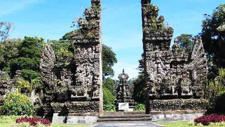 Kebun raya di Bali.