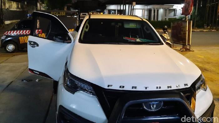 Mobil pengusaha dibobol di Kemang Selatan