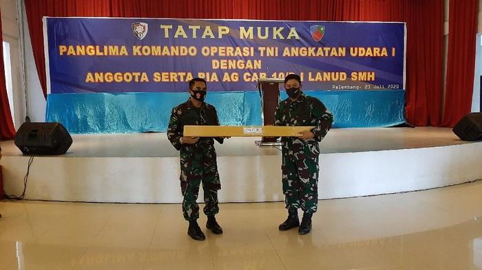 Pangkoops AU saat kunjungan kerja di Lanud Sri Mulyono Herlambang