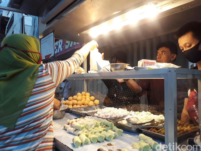 Penjual klepon Jogja