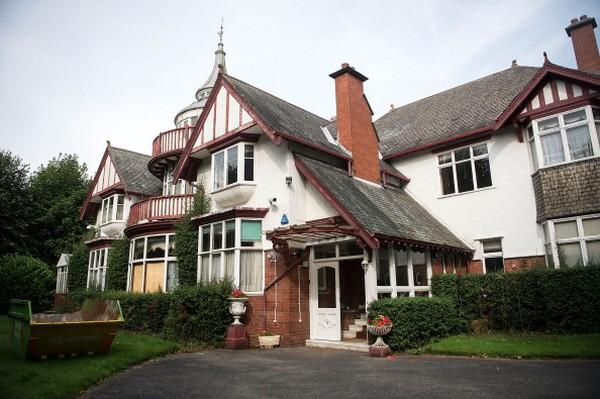 Di dekat Harrogate, utara Yorkshire, Inggris berdiri rumah mewah yang dulu sempat menjadi yang termegah di negara itu. Sayangnya, rumah ini sudah ditinggalkan penghuninya dan terbengkalai selama puluhan tahun. (Foto: Getty Images/Bethany Clarke)