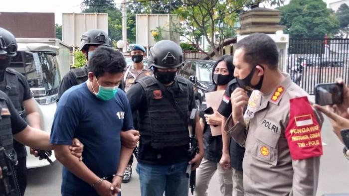 Polisi tangkap ayah yang aniaya anak kandung di Jaktim