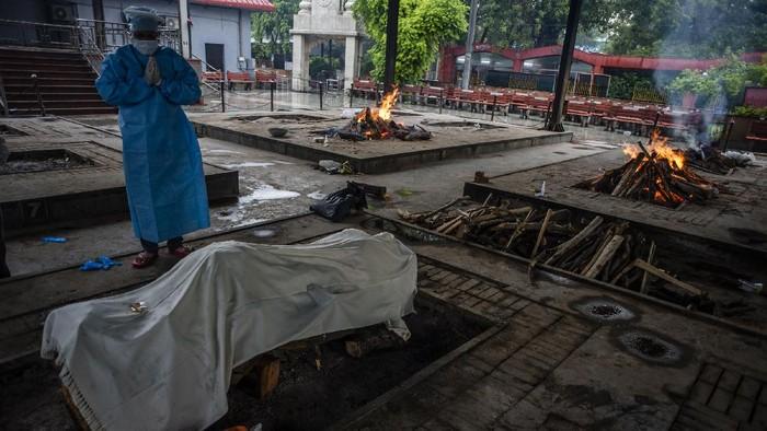India jadi negara ketiga dengan kasus COVID-19 terbanyak di dunia setelah Amerika Serikat dan Brasil. Beberapa penanganan jenazah pun dilakukan dengan cara kremasi.