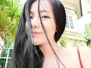 Wanita Ini Jadi Buronan Polisi Karena Posting Foto Seksi di Facebook