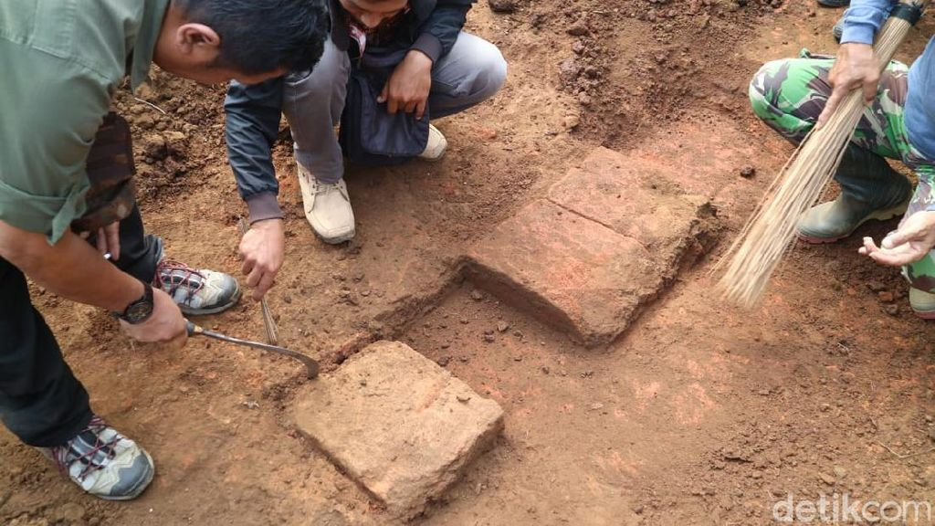 Struktur Batu Bata Kuno di Malang Disebut Tempat Ibadat Menghadap Gunung Arjuno