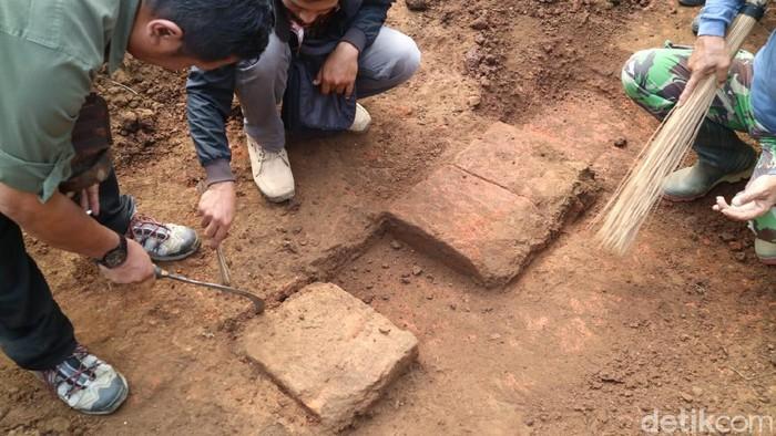struktur batu bata kuno
