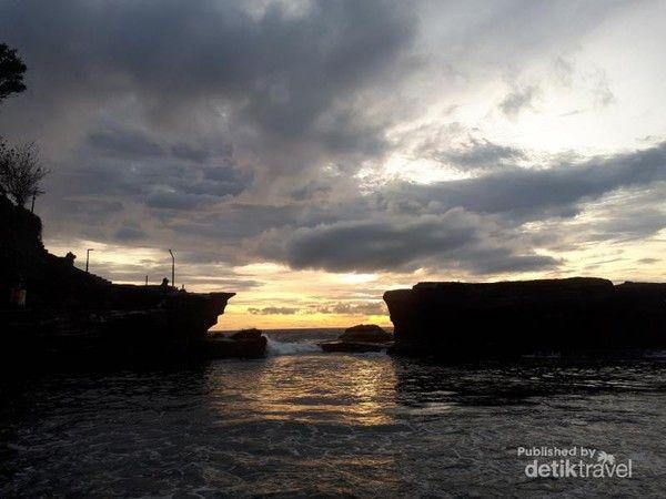 Sunset di Tanah Lot Bali