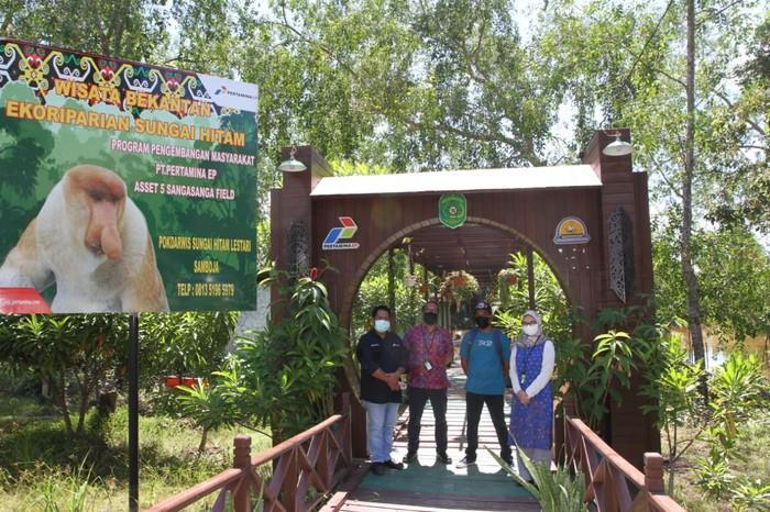 Wisata Bekantan Ekoriparian Sungai Hitam Kalimantan
