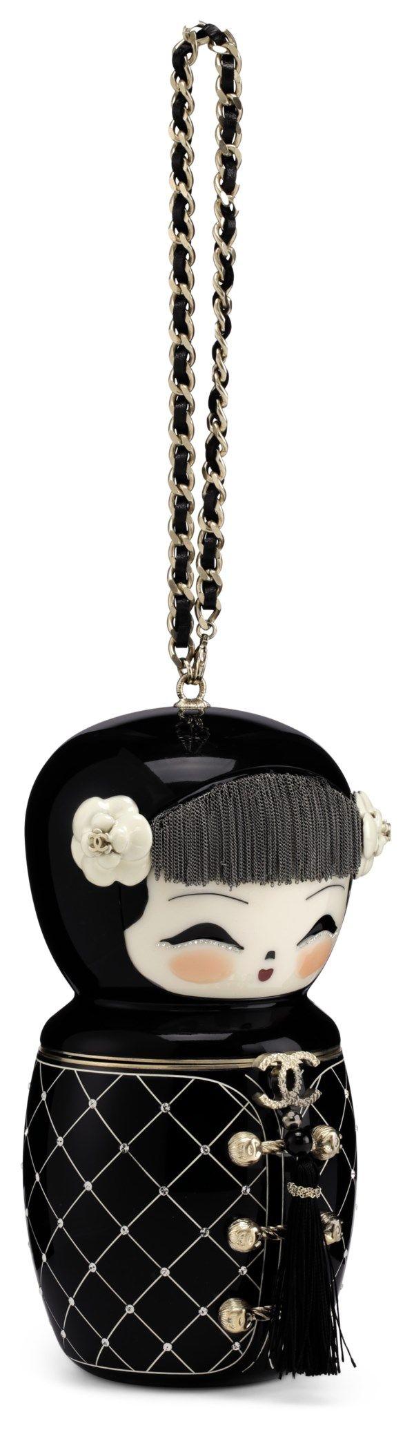 Chanel Métiers D'Art Paris-Shanghai Black Lucite Matryoshka (foto: christie's)