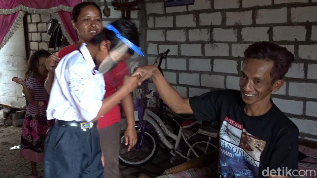 Ayah 2 Bulan Tak Melaut, Tak Sanggup Beli Kuota untuk Dimas